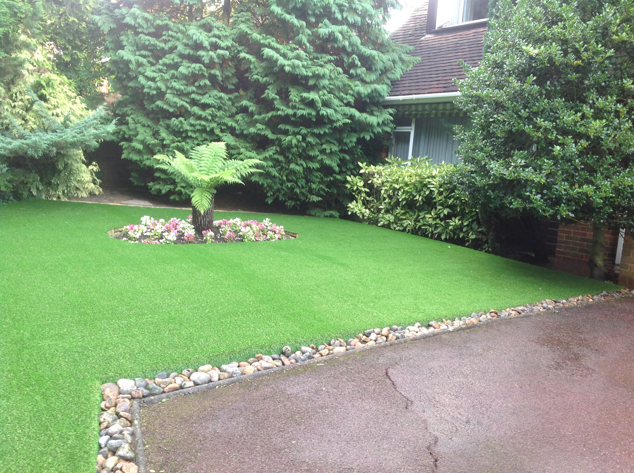 Artificial turf pros and cons - Could Mowing The Lawn Be A Thing Of The Past