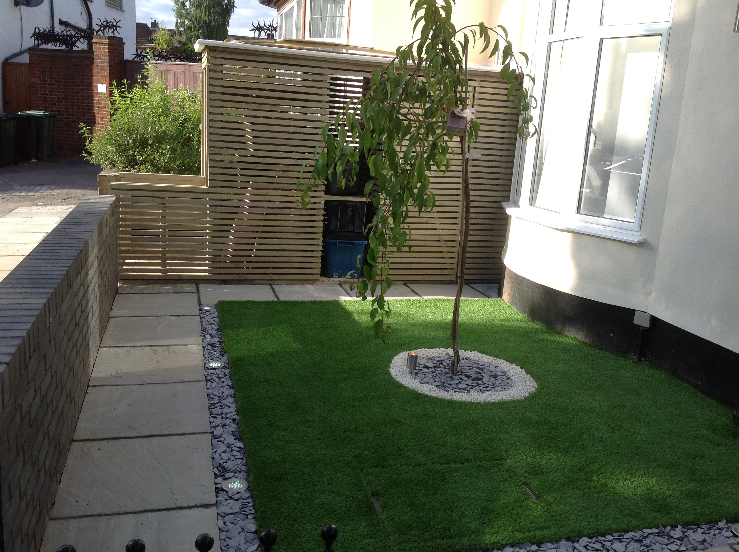 Artificial front lawn